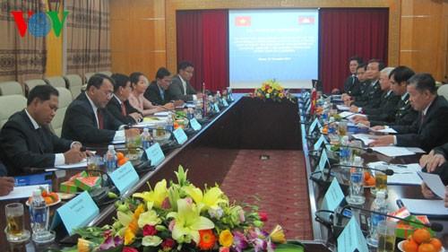 Zusammenarbeit zwischen Regierungsinspekteuren Vietnams und Kambodschas - ảnh 1