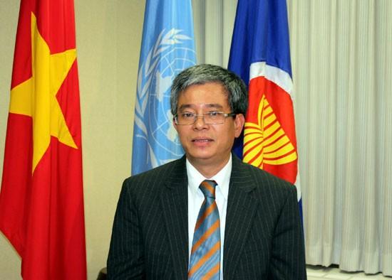 Vietnam trägt zum Aufbau einer ASEAN-Gemeinschaft bei - ảnh 1