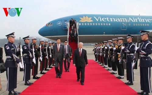 KPV-Generalsekretär Nguyen Phu Trong beginnt seinen Südkorea-Besuch - ảnh 1
