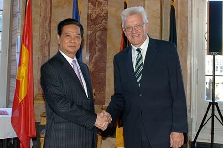 Premierminister Nguyen Tan Dung besucht Baden-Württemberg - ảnh 1