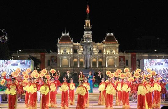 Zahlreiche Aktivitäten zum 125. Geburtstag von Präsident Ho Chi Minh - ảnh 1