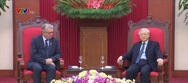 Hochrangige Delegation der kommunistischen Partei Frankreichs besucht Vietnam - ảnh 1