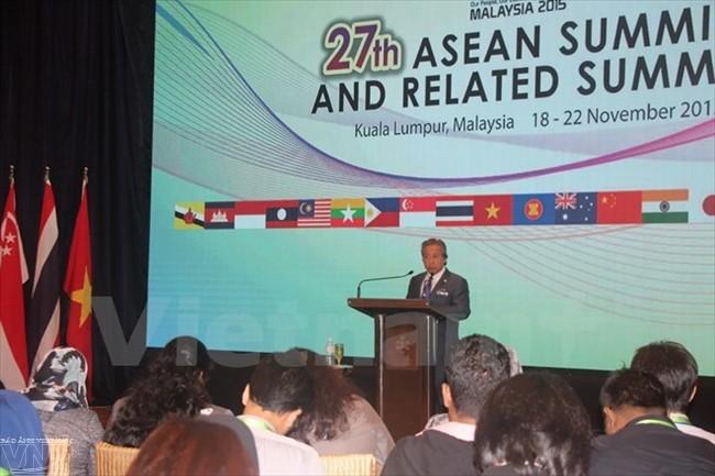 Verabschiedung wichtiger Dokumente auf dem 27. ASEAN-Gipfeltreffen  - ảnh 1