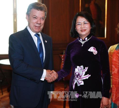 Vize-Staatspräsidentin Dang Thi Ngoc Thinh besucht Kolumbien - ảnh 1