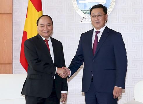 Premierminister Nguyen Xuan Phuc beendet seinen Mongolei-Besuch - ảnh 1