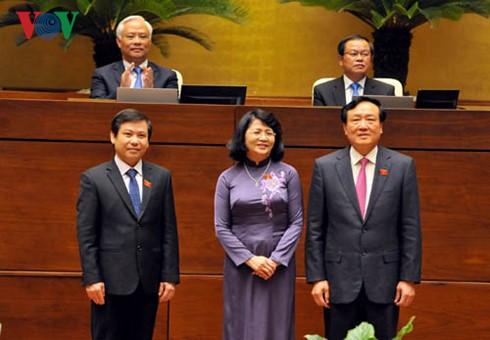 Dang Thi Ngoc Thinh ist zur Vize-Staatspräsidentin wiedergewählt - ảnh 1