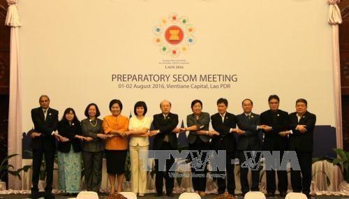 Wirtschaftsbeamte bereiten sich auf ASEAN-Wirtschaftsminister-Konferenz vor - ảnh 1