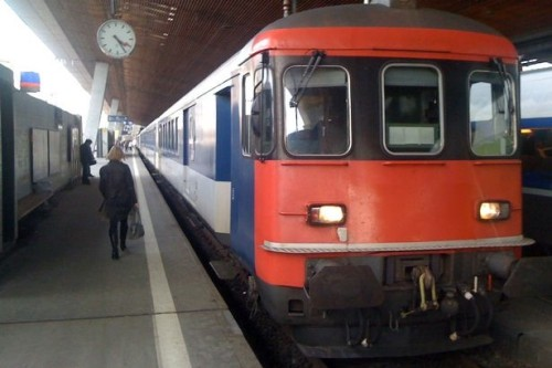 Bewaffneter Angriff in schweizer Zug - ảnh 1