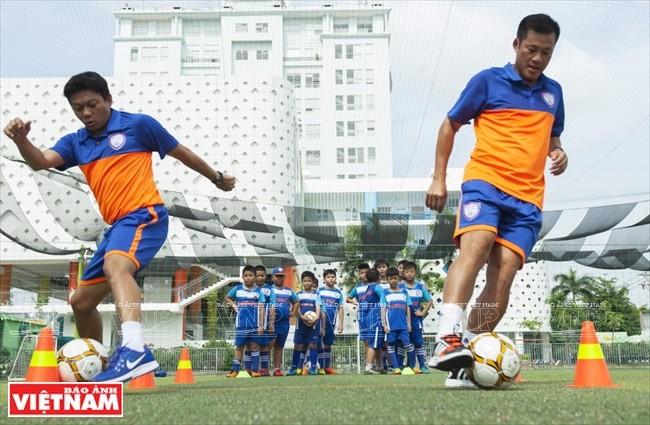 S&A Fußballakademie: Symbol für die Vietnam-Thailand-Freundschaft - ảnh 1