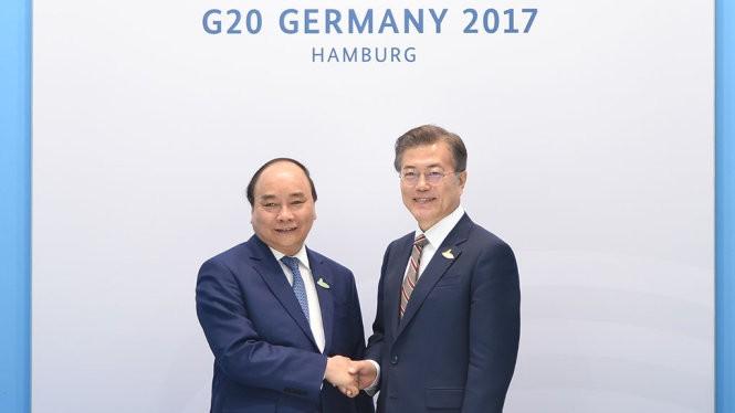 G20-Gipfel: Premierminister Nguyen Xuan Phuc trifft Spitzenpolitiker - ảnh 1