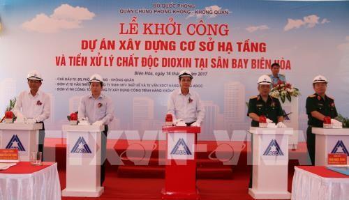 Spatenstich für den Bau der Infrastruktur für Dioxinentseuchung am Flughafen Bien Hoa - ảnh 1