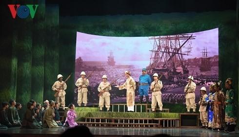 "Künstler aus dem ganzen Land engagieren sich für das Cai Luong-Theaterstück ""Lehrer Ba Doi"" - ảnh 1"