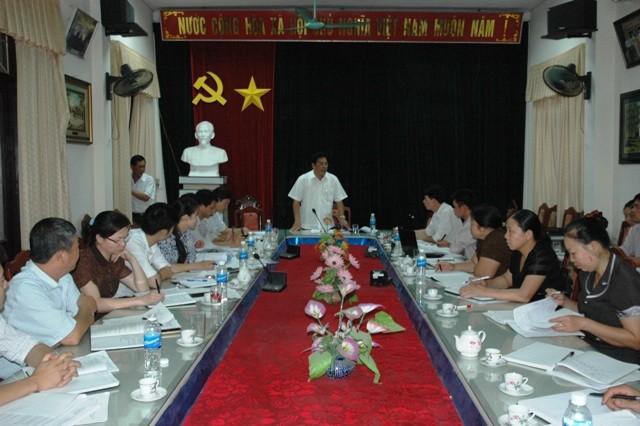 Rombongan kerja Komisi urusan  Etnis  melakukan temu kerja di provinsi Bac Kan - ảnh 1