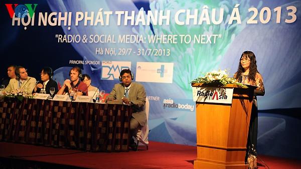 Peranan radio komunitas dalam membela kepentingan kelompok minoritas - ảnh 1