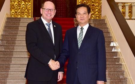 PM Vietnam, Nguyen Tan Dung menerima Ketua Parlemen Kerajaan Swedia dan Duta Besar  Federsi Rusia - ảnh 1