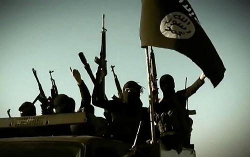 IS menyerang kilang minyak terbesar di Irak - ảnh 1