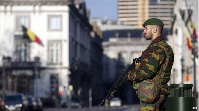Berbagai negara sepakat memperkuat untuk berbagi informasi intelijen untuk menghadapi terorisme - ảnh 1