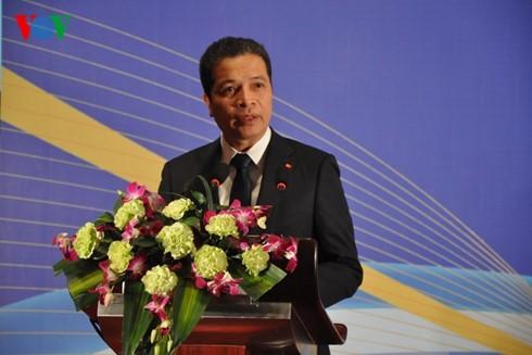 Memperingati ultah ke-66 penggalangan hubungan diplomatik Vietnam-Tiongkok - ảnh 1
