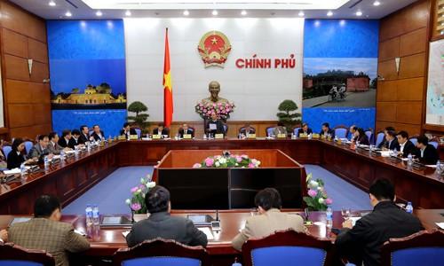 Memperhebat reformasi dan menyederhanakan prosedur administrasi untuk kalangan rakyat - ảnh 1