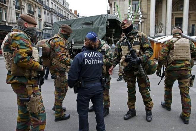 Belgia menangkap lagi dua tersangka dalam serangan teror di Perancis - ảnh 1