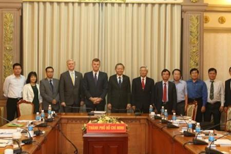 Kota Ho Chi Minh dan ADB bekerjasama untuk menjamin laju proyek perhubungan dan pengadaan air - ảnh 1