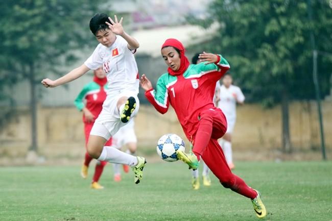 Tim sepak bola putri U-19 Vietnam merebut tiket masuk babak final Turnamen sepak bola putri U19 Asia tahun 2017 - ảnh 1