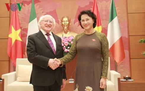 Ketua MN Nguyen Thi Kim Ngan bertemu dengan Presiden Irlandia, Michael Daniel Higgins - ảnh 1