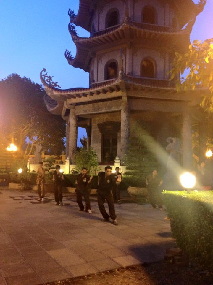 Mengunjungi satu kursus main silat di pagoda Bang A, kota Hanoi - ảnh 7