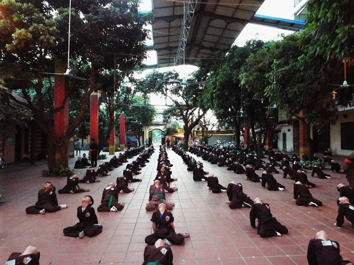 Mengunjungi satu kursus main silat di pagoda Bang A, kota Hanoi - ảnh 1