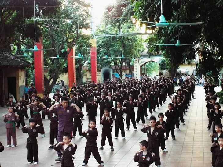 Mengunjungi satu kursus main silat di pagoda Bang A, kota Hanoi - ảnh 2
