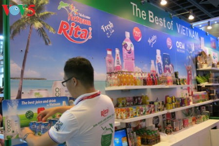 Tiga puluh tiga  badan usaha Vietnam menyosialisasikan pertanian hijau di Pekan Raya Gulfood, Dubai  - ảnh 13