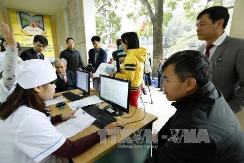 Kota Hanoi menggelarkan dokumen manajemen medis elektronik untuk warga - ảnh 1