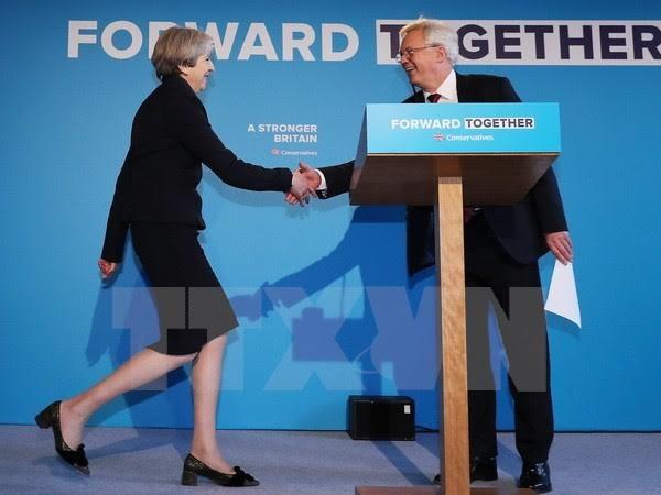 Masalah Brexit: PM Inggris menegaskan rencana perundingan tidak berubah - ảnh 1