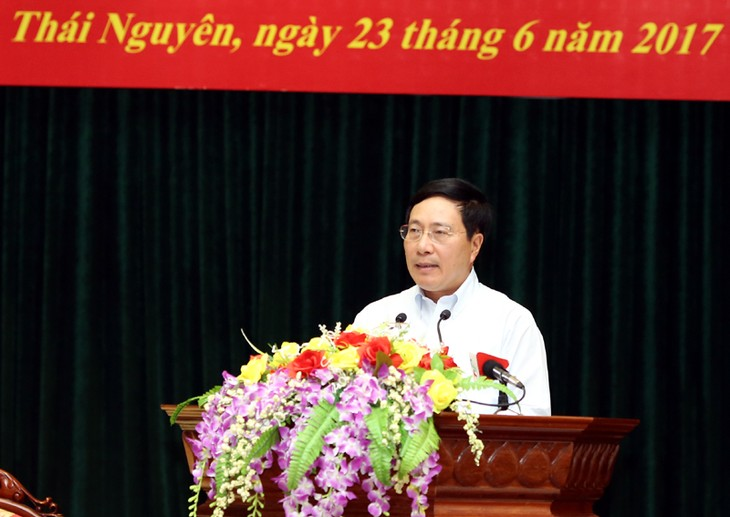 Deputi PM Vietnam, Pham Binh Minh melakukan kontak dengan para pemilih di KODAM I - ảnh 1