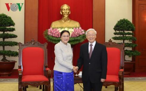 Sekjen KS PKV, Nguyen Phu Trong menerima Ketua Parlemen Laos, Pany Yathotou - ảnh 1