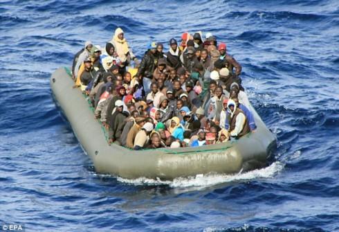 Uni Eropa mengeluarkan langkah-langkah untuk membatasi gelombang migran dari Libia - ảnh 1
