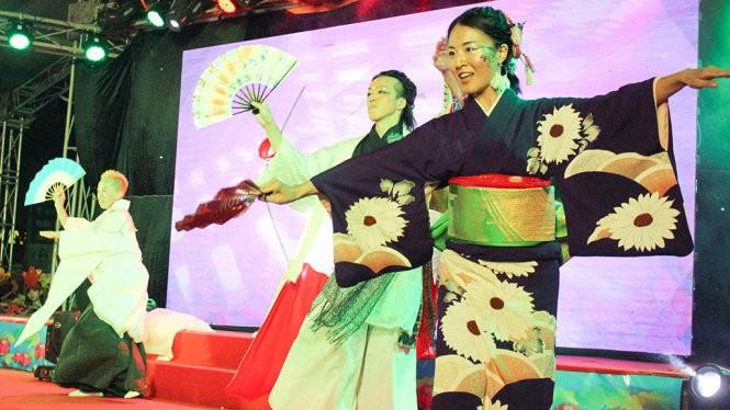 Acara pembukaan Festival temu pergaulan budaya Vietnam-Jepang 2017 - ảnh 1