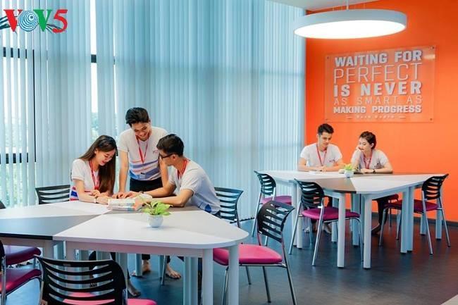 Perpustakaan teknologi tinggi menyampaikan inspirasi kepada mahasiswa - ảnh 1