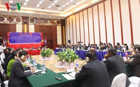 Memperkuat pengawasan Parlemen terhadap gagasan-gagasan kerjasama di kawasan Segitiga Perkembangan Kamboja-Laos-Vietnam - ảnh 1
