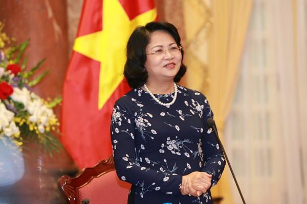 Wapres Vietnam, Dang Thi Ngoc Thinh menerima Kepala Dana Anak-Anak PBB di Vietnam - ảnh 1
