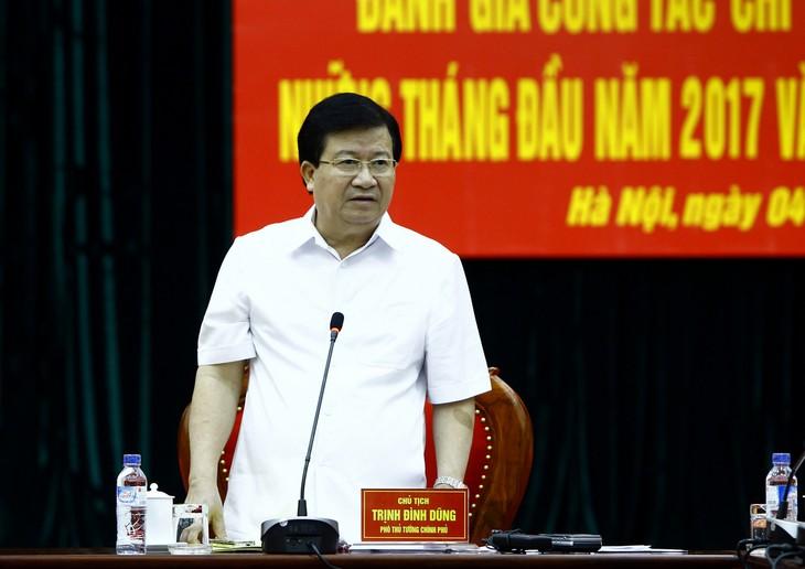 Daerah-daerah di Vietnam memperkuat sosialisasi kemampuan dalam menghadapi bencana alam dan memberikan pertolongan kepada warga - ảnh 1