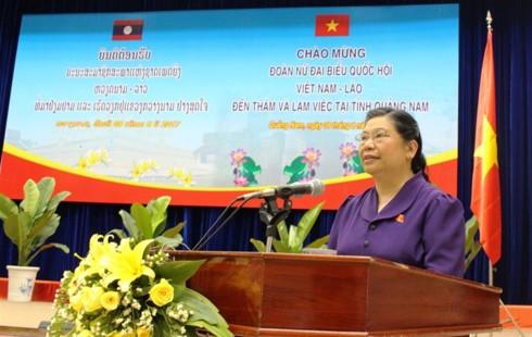 Delegasi anggota MN wanita Vietnam dan Parlemen Laos melakukan kunjungan kerja di Provinsi Quang Nam - ảnh 1