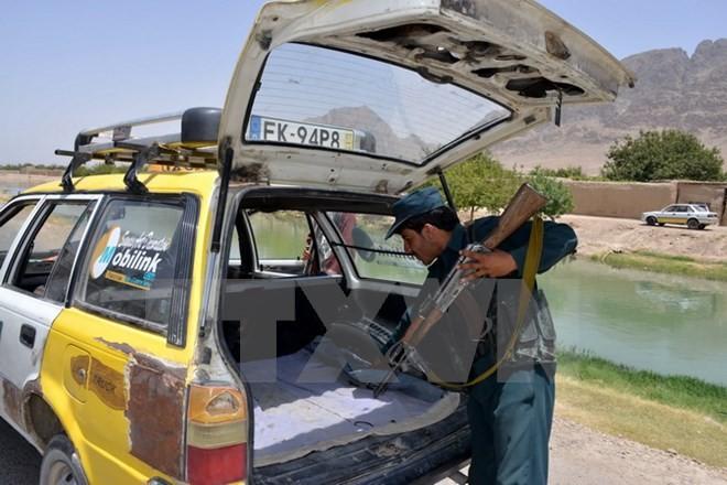 Taliban menduduki kembali kabupaten strategis di Afghanistan Timur - ảnh 1