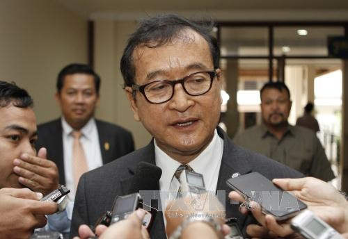 Pengadilan kasasi Kamboja memberikan keputusan akan mempertahankan vonis terhadap mantan Ketua Partai oposisi Sam Rainsy - ảnh 1