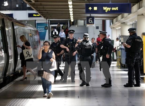 Inggris merupakan negara yang ada bahaya tertinggi tentang serangan teror di Eropa Barat - ảnh 1