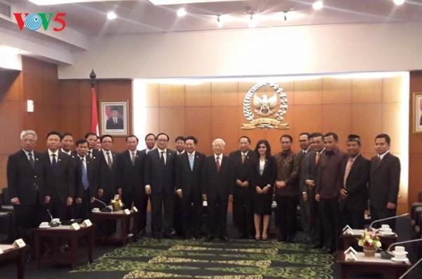 Vietnam dan Indonesia memperhebat dan memperluas kerjasama di semua bidang - ảnh 1