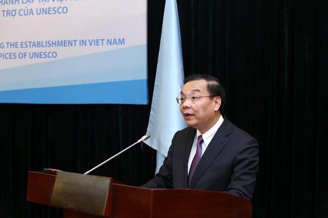 Vietnam dan UNESCO menandatangani permufakatan membentuk dua Pusat tipe 2 tentang Matematika dan Fisika - ảnh 1