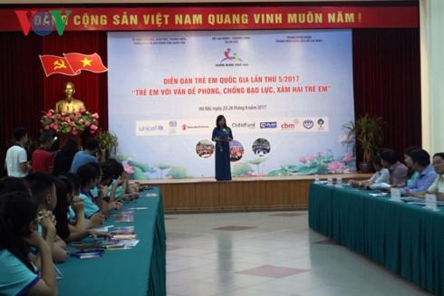 """Forum nasional tentang anak-anak Vietnam dengan tema: """"Mencegah dan memberantas kekerasan, pelecehan anak-anak"""" - ảnh 1"""