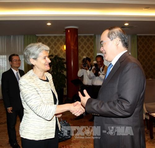 Pemimpin Kota Ho Chi Minh menerima Direktur Jenderal UNESCO - ảnh 1