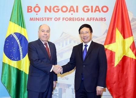 Pembicaraan Menlu dua negara Vietnam-Brasil - ảnh 1
